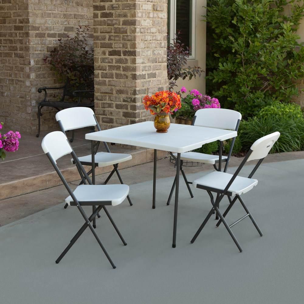 chaise pliante contemporaine blanche chaise pliante et empilable chaise pliante. Black Bedroom Furniture Sets. Home Design Ideas
