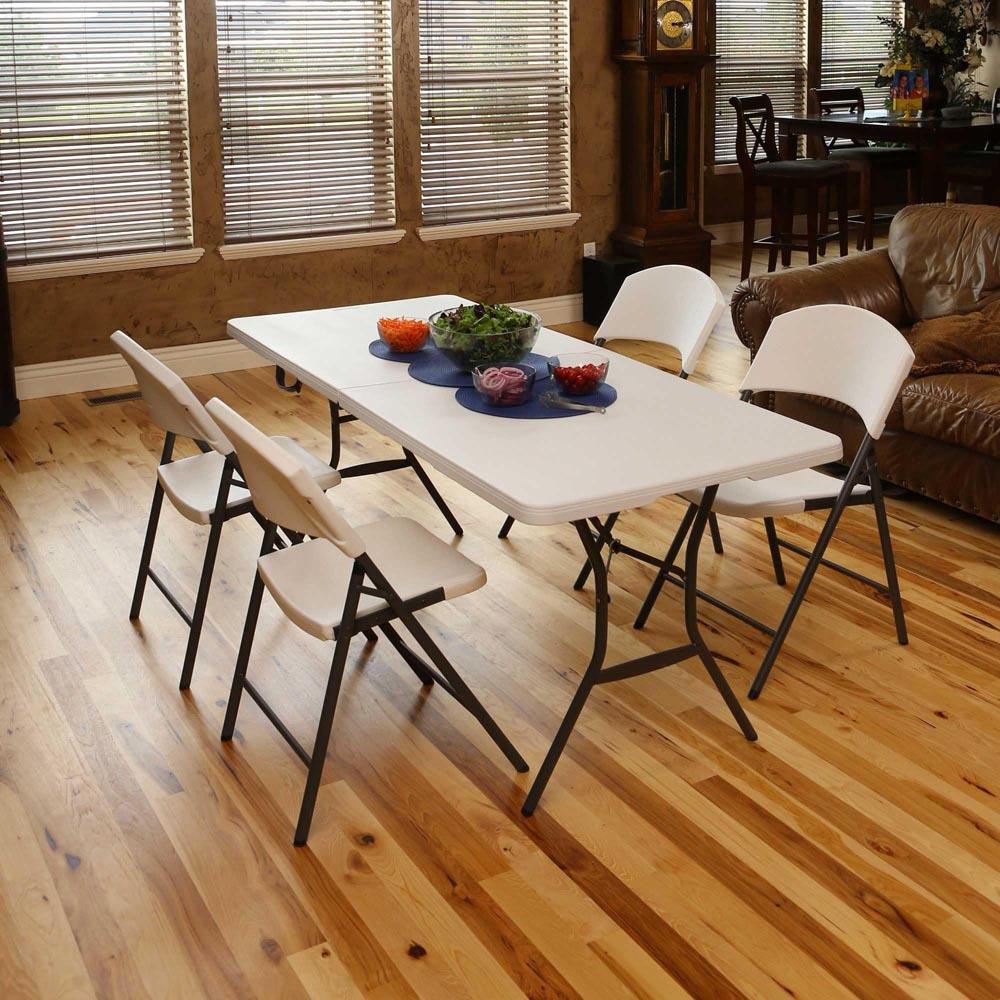 chaise pliante 39 lightweight 39 blanche chaise pliante et. Black Bedroom Furniture Sets. Home Design Ideas